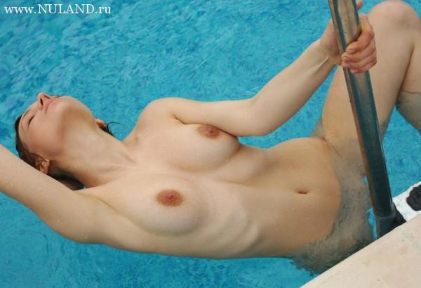 молодая и голая