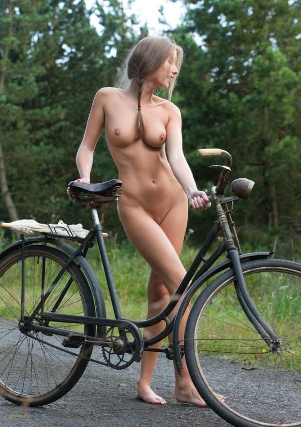 Порно фото велосипедистки 13493 фотография